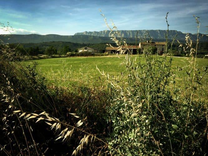 La ferme Maurel, avec les locaux de la BAP à gauche - © 180°C - Photographie Mayalen Zubillaga