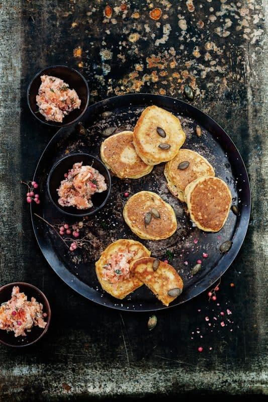 Blinis de potimarron et rillettes de saumon