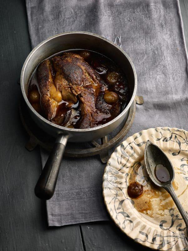 Foie gras en cocotte, raisins, figues, épices…