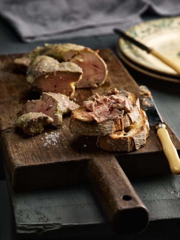 Foie gras confit au poivre noir