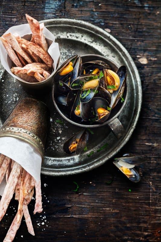 Moules marinières et frites de taro