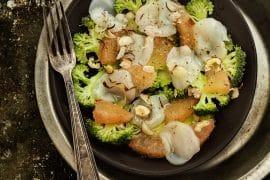 Carpaccio de brocoli aux Saint-Jacques