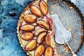 Tarte sablée aux prunes et crème de pistaches 2