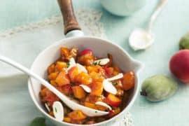 Abricots compotés mi-crus mi-cuits au basilic