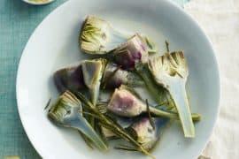 Artichauts poivrades pochés aux herbes et à l'huile 3