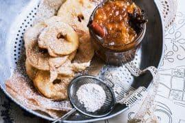 beignets aux pommes<br>et marmelade d'oranges