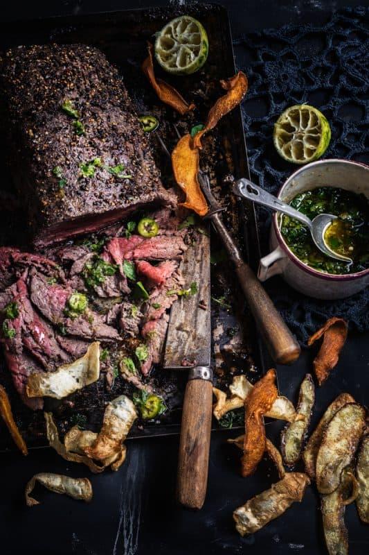 Boeuf grillé au poivre et légumes frits