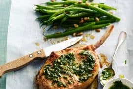 Côtes de veau à la gremolata haricots verts tièdes en salade