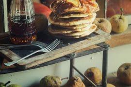 Pancakes à la pomme et sirop d'érable