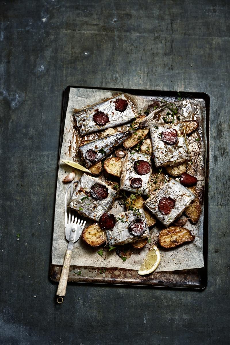 Sabre rôti au chorizo, huile d'olive, thym, pommes de terre et topinambours