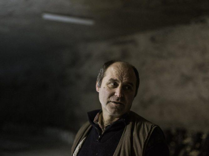 Angel Moioli, 56 ans, est l'un des derniers champignonnistes de Paris ou plutôt d'Ile de France - © 180°C - Photographie Eric Fénot