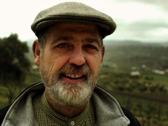 Joaquin Fernandez, en 2000 ce vigneron espagnol est parti d'un verger à l'abandon pour donner vie à son rêve de faire du vin bio © 180°C - Photographie Stephan Lagorce