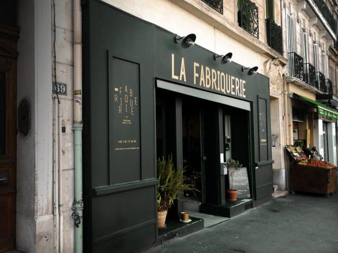 """Devanture de """"La Fabriquerie"""" - © 180°C - Photographie Mayalen Zubillaga"""
