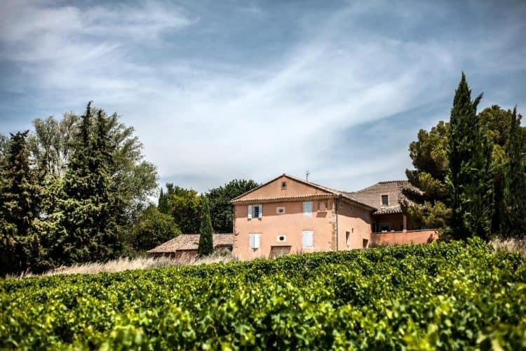 Dominant une parcelle de vigne, la maison de Michèle Aubéry au charme florentin - © 180°C Photographie Jean-Luc Luyssen
