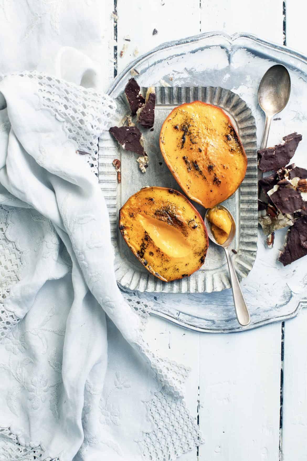 Caramel d'amandes au chocolat et mangue rôtie