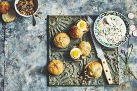 Petits pans-bagnats, raïta aux radis roses 3
