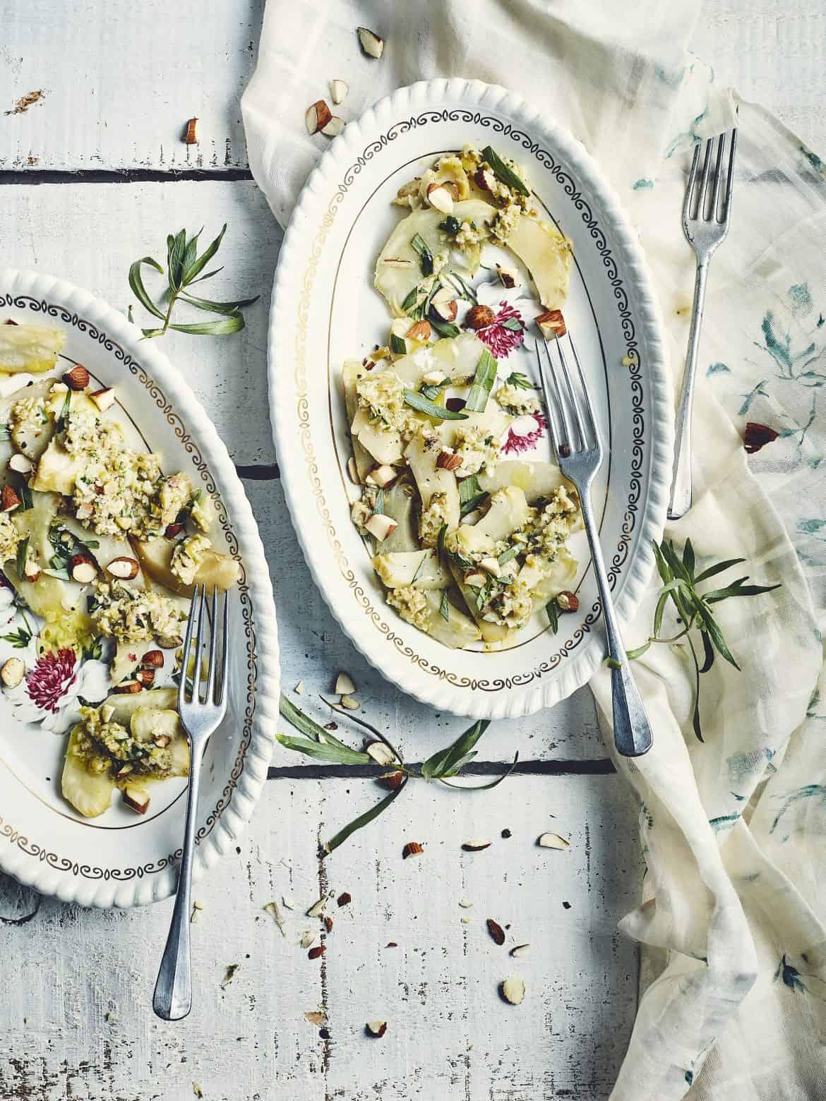 Salade d'artichauts, sauce aux câpres et estragon