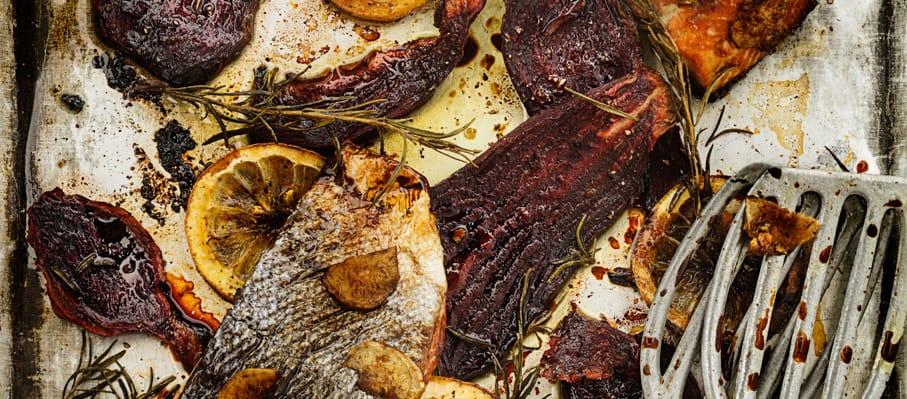 Pavés de saumon marinés et betteraves rôties