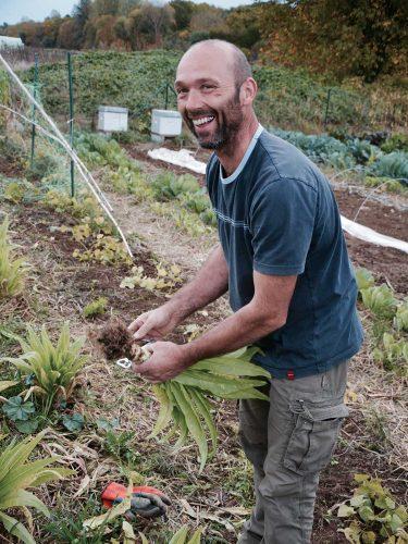 Alain le jardinier ! - © 180°C - Photographie Manu Rodriguez
