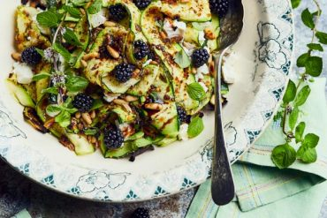 Salade de courgettes grillées, menthe et feta
