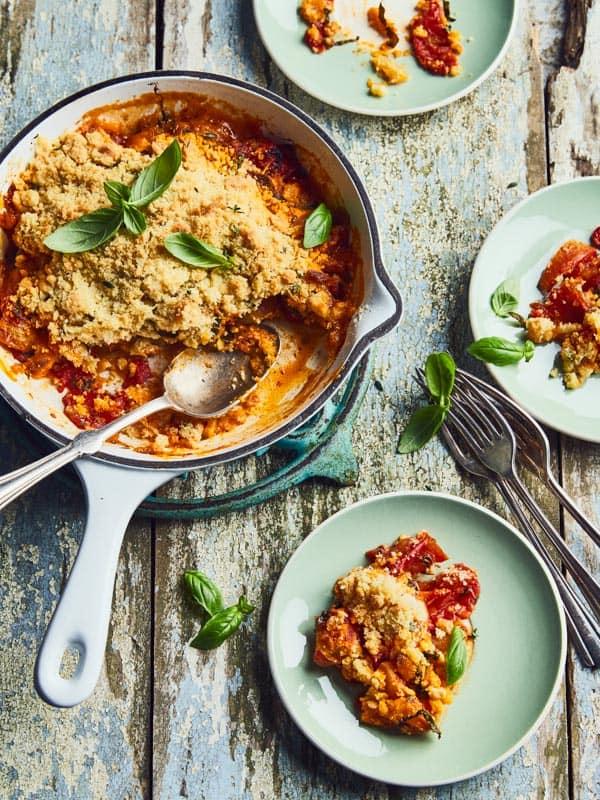 Crumble de tomates cornues au parmesan