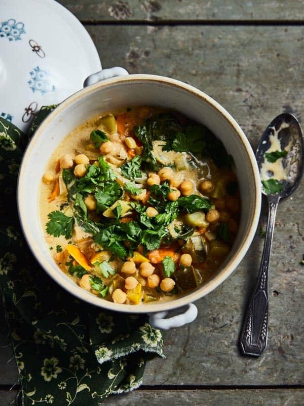 Curry de légumes aux épinards