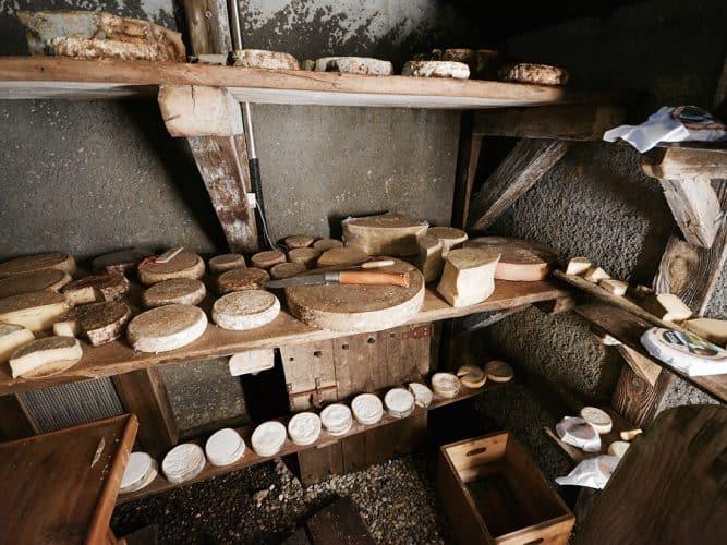 Sur les vingt fromages proposés, trois seulement ne viennent pas de Manigod mais d'autres villages de Savoie - © 180°C - Photographie Manu Rodriguez