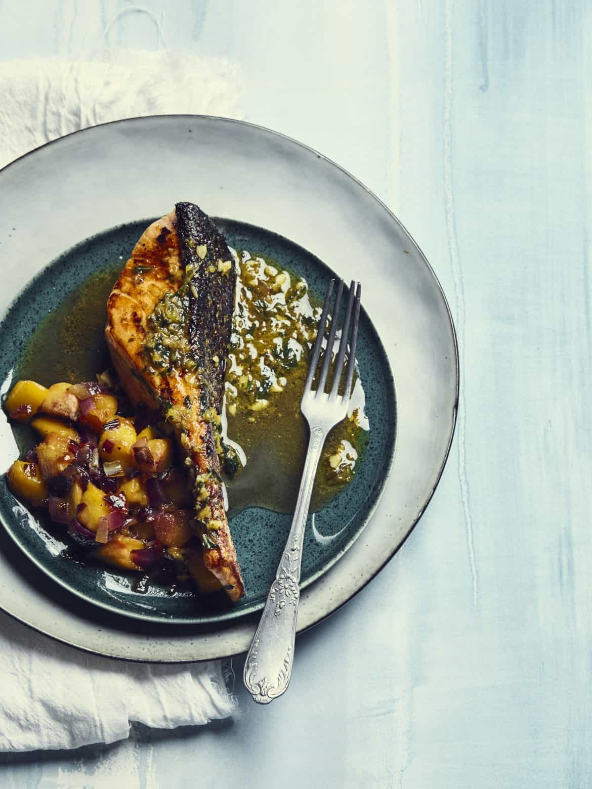 Saumon et condiment de pêche jaune 1