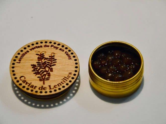 Une invention gourmande beaucoup plus subtile que les marrons glacés : le caviar de lentilles vertes, suave et sucré. - © 180°C - Photographie Manu Rodriguez