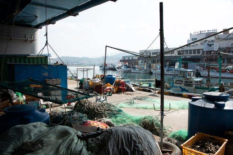 Le port de pêche à Abai-maeul - © 180°C - Photographie Camille Oger