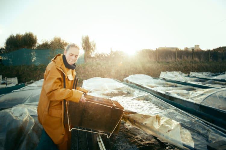 Céline, qui veille au grain sur la nurserie - © 180°C - Photographie Patrick Swirc - Texte Olivier Pascuito