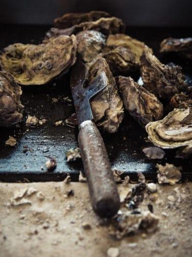 La rolls de l'huître, vendue plus chère qu'une Gillardeau, la Spéciale Tarbouriech® a aujourd'hui conquis les plus belles maisons et séduit les plus grands chefs - © 180° - Photographie Éric Fénot