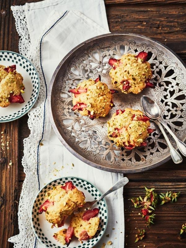 Petits gâteaux fraises et pistaches