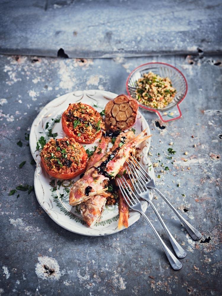 Rougets grillés et tomates à la provençale
