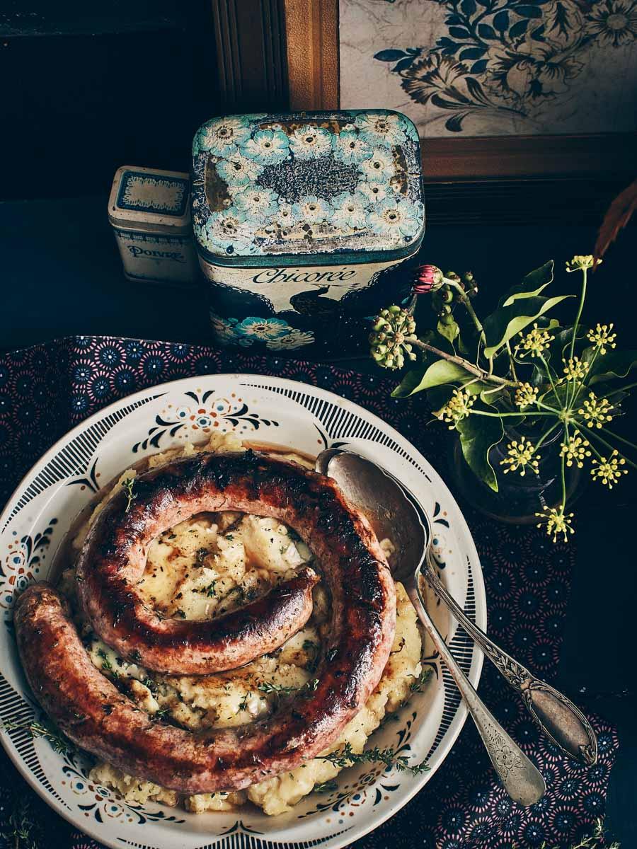 Saucisse au couteau, purée au camembert
