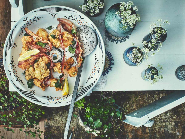 Beignets de chou-fleur et lard grillé